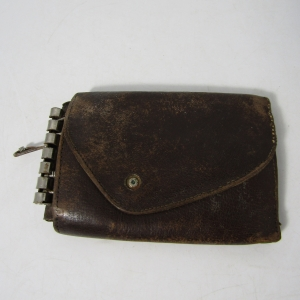 Vintage Busby Kesafe leather keyholder pouch